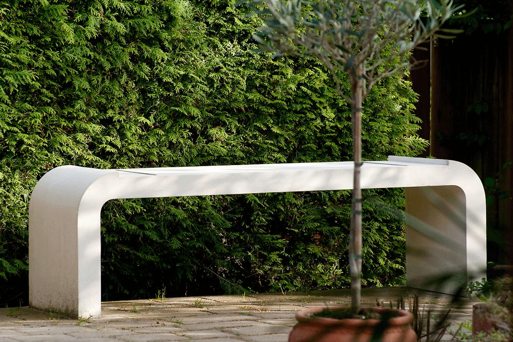 moderne betonbank sichtbeton mit weizement holzauflage abmontiert_018